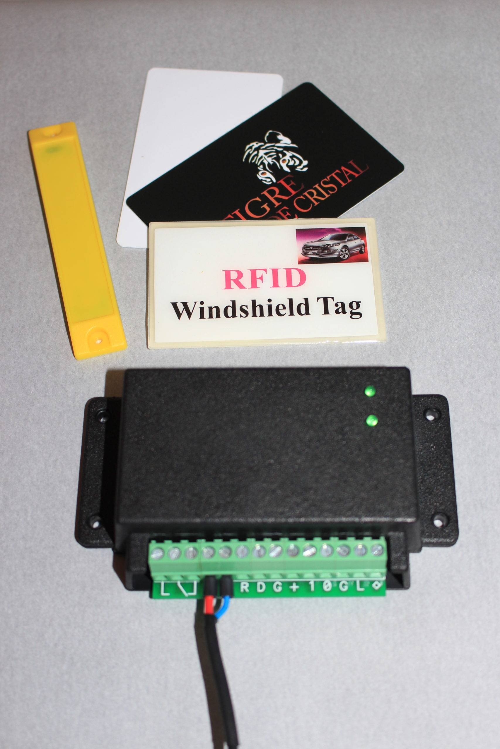 Controller for parking systems rfid